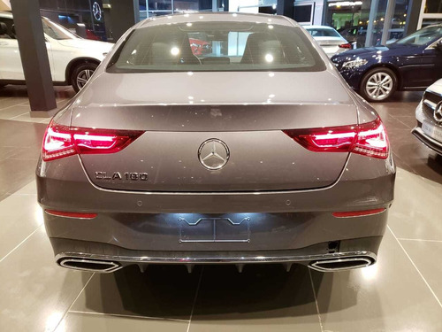 mercedes-benz cla 180 con kit amg line 2021