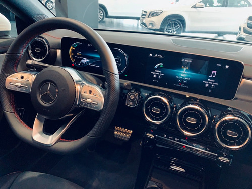 mercedes benz cla amg line 4*2 at  2021 - 0km