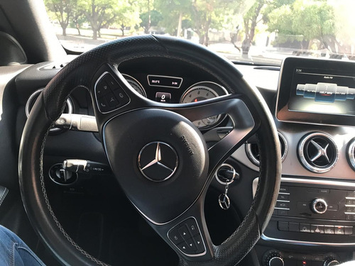 mercedes benz cla200 2015 con zoom roof
