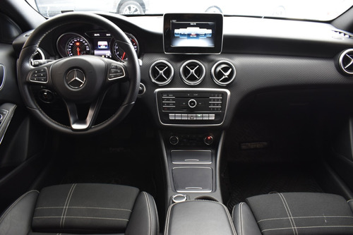 mercedes-benz clase a 1.6 a 200 at urban b.efficiency 156cv