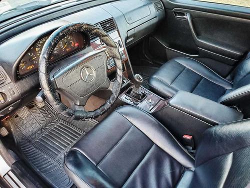 mercedes-benz clase c 2.2 220 classic mt 1996