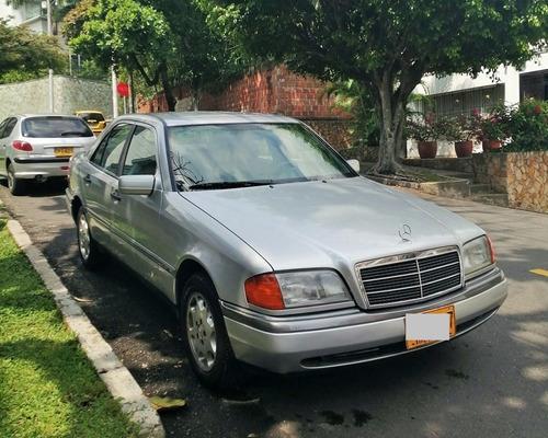 mercedes benz clase c220 automatico modelo 1995. 180.000 kil
