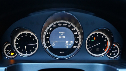 mercedes benz e 300 avangarde sport at 2010 27.000 kms