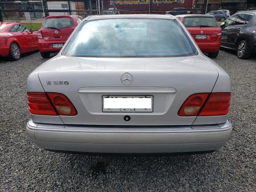 mercedes benz e-320 gris 1998