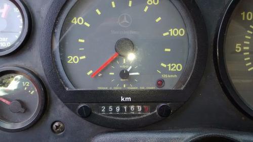 mercedes benz l1318 ano 2010