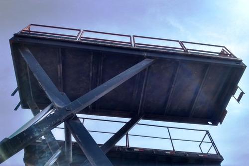 mercedes-benz mb 2213 plataforma elevatória