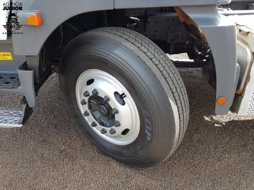 mercedes-benz mb 3344 ano 2016 revisado / pneus ótimos.