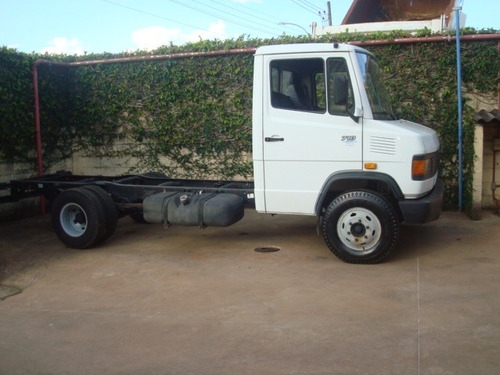 mercedes-benz mb 710 ano 2000 unico dono