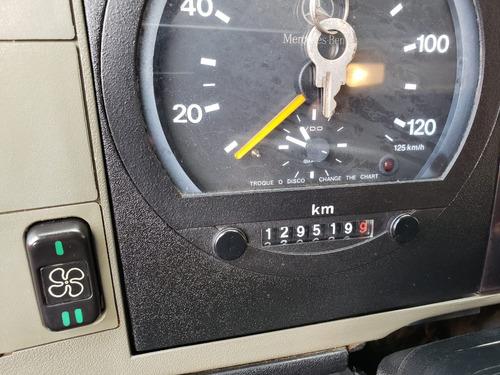 mercedes-benz mb 710 caminhão boiadeiro ano 2011 muito novo