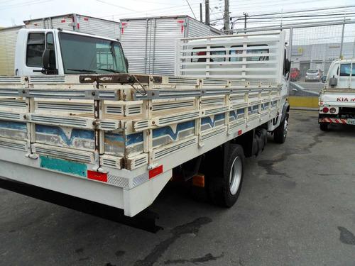 mercedes-benz mb 710 com carroceria
