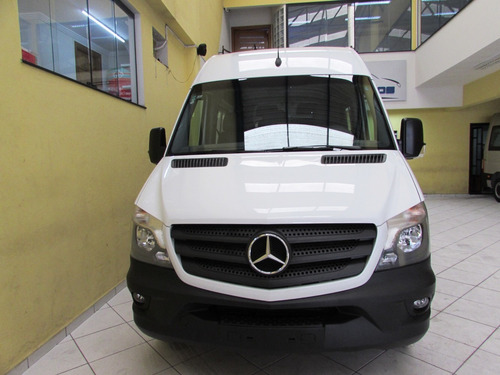 mercedes-benz sprinter executiva acessivel com cadeirante