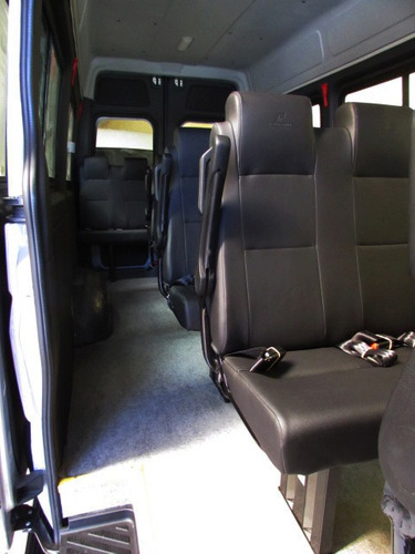 mercedes-benz sprinter van escolar ônibus no documento