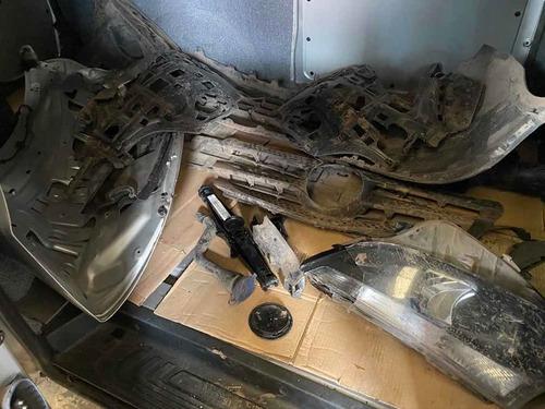 mercedes benz vito 111 cdi furgon mixto 4+1 chocado  frente