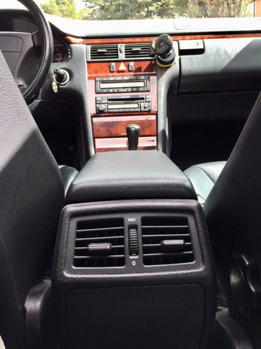 mercedes e320, perfecto. único dueño. mantenimiento mb