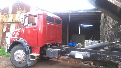 mercedez benz 1113 con volcadora y barandas