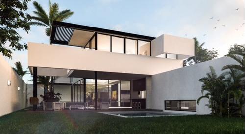 mérida.casa de lujo en privada exclusiva. 4 cuartos, piscina