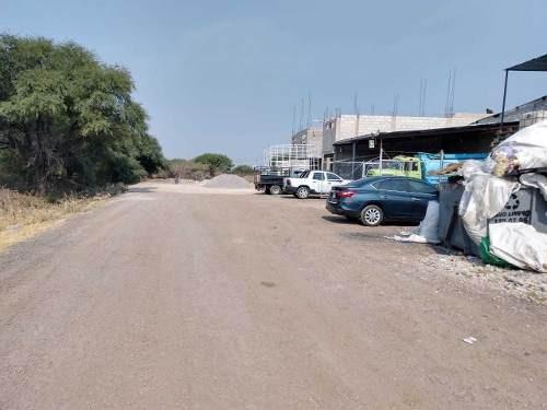 mes/ bodega de 800 m² a pie de carretera