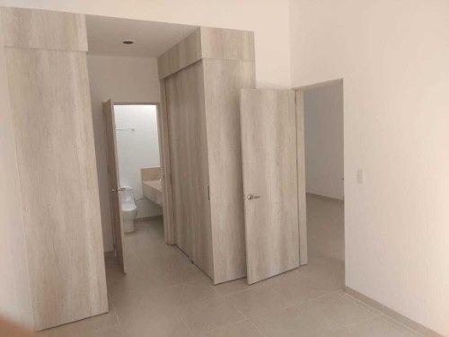 mes/ casa de 1 planta en pedregal de shoenstatt