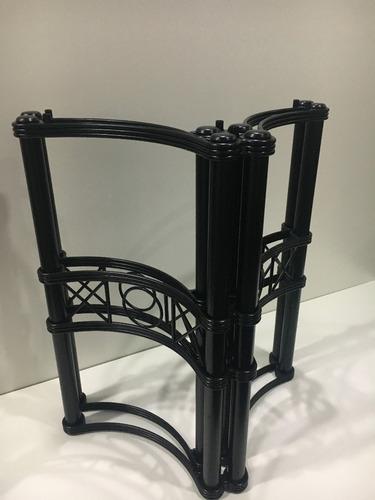 mesa 120x80 + 4 sillas de hierro + base flecha + almohadones