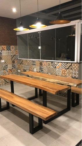 mesa 1.40x0.80 de madeira maciça de lei.