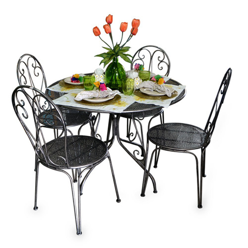 mesa + 4 sillas en hierro