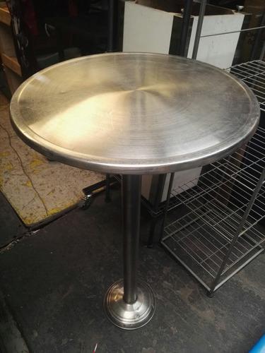 mesa alta aluminio anclar al piso con 2 sillas de anclar