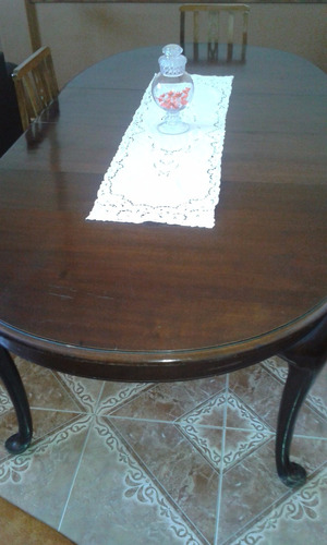 mesa antigua de comedor