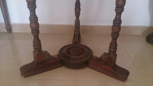 mesa antigua diámetro 71 x 73 de alto de cedro