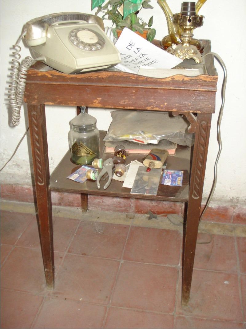 Mesa antigua madera para telefono 2 en mercado for Mesas para telefono ikea