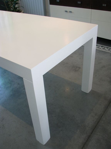 mesa asia laqueada en poliuretano insuperable oferta!!!!
