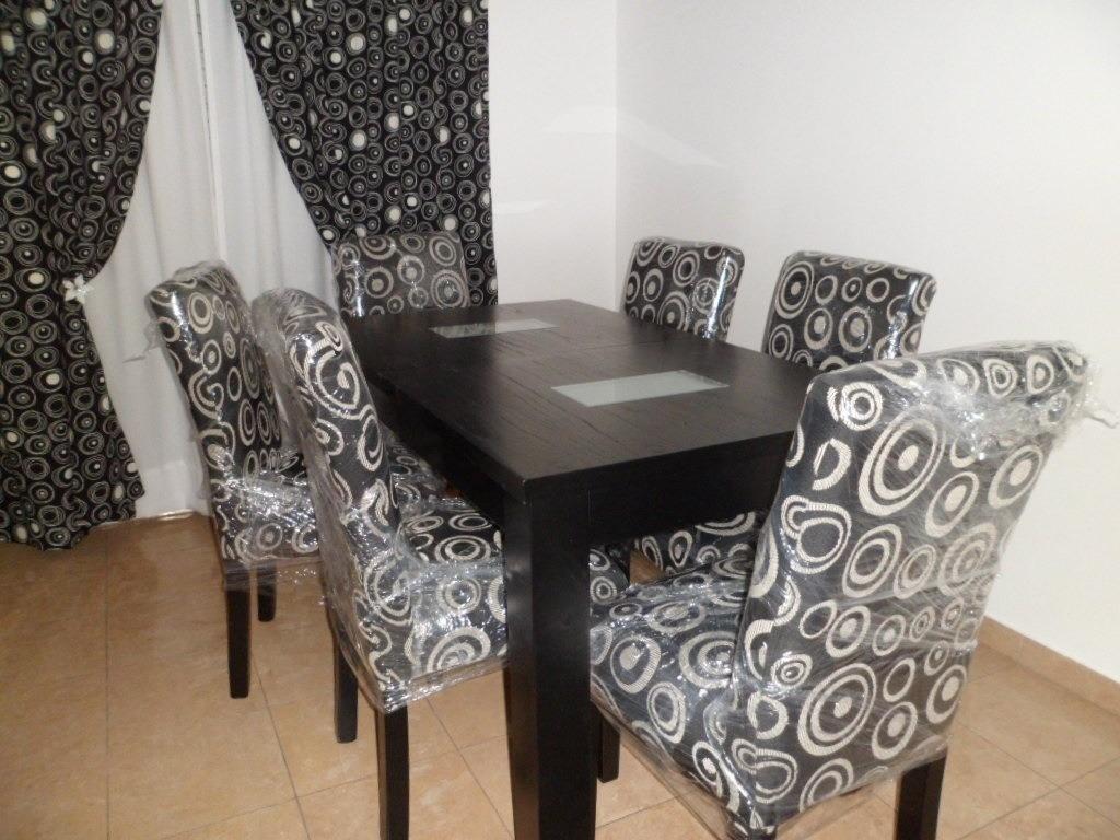 Sillas comedor tapizadas tela great telas para tapizar for Sillas de comedor tapizadas en gris