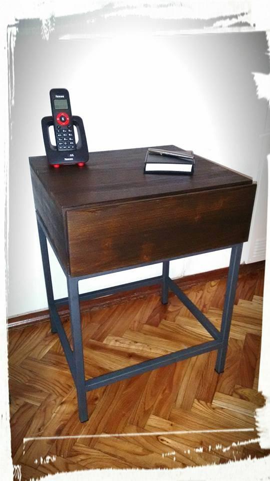 Mesa auxiliar con caj n madera y patas de hierro 3 for Patas de mesa de hierro