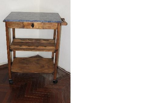mesa auxiliar con tapa simil marmol