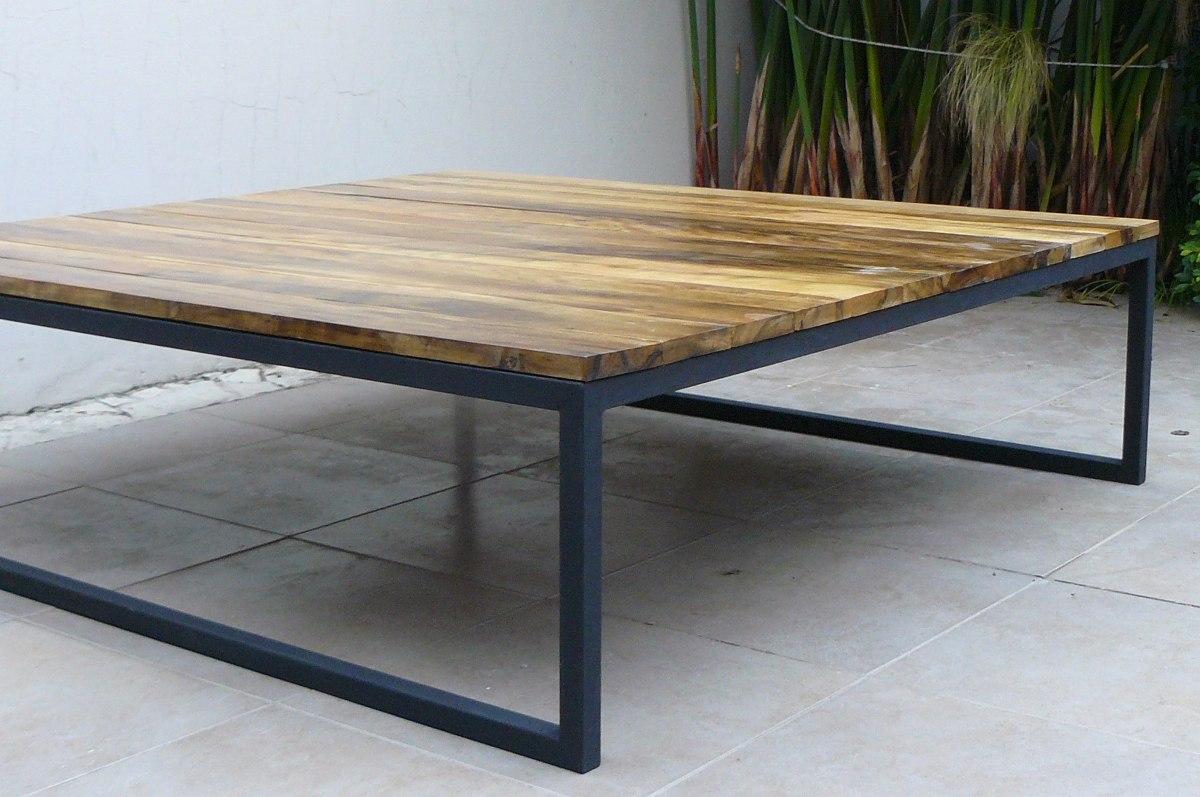 Mesa de madera maciza tpicamente escandinava una mesa de - Mesas rusticas de madera maciza ...