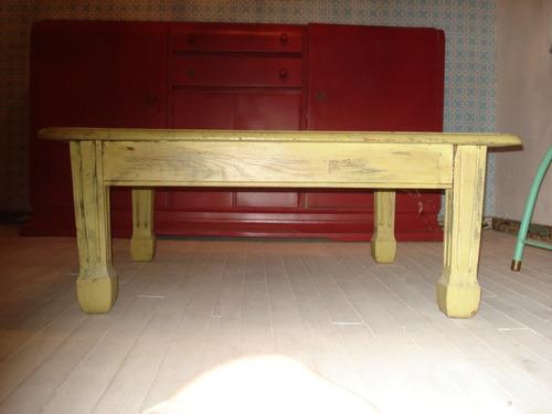 mesa baja o ratona antigua de roble patinada