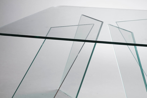 mesa baja ratona con patas de vidrio! diseño moderno.
