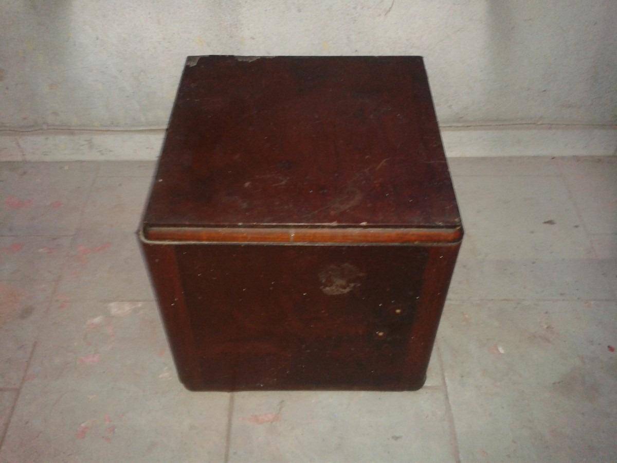 Mesa Cabeceira Art Deco Em Imbuia R 150 00 Em Mercado Livre