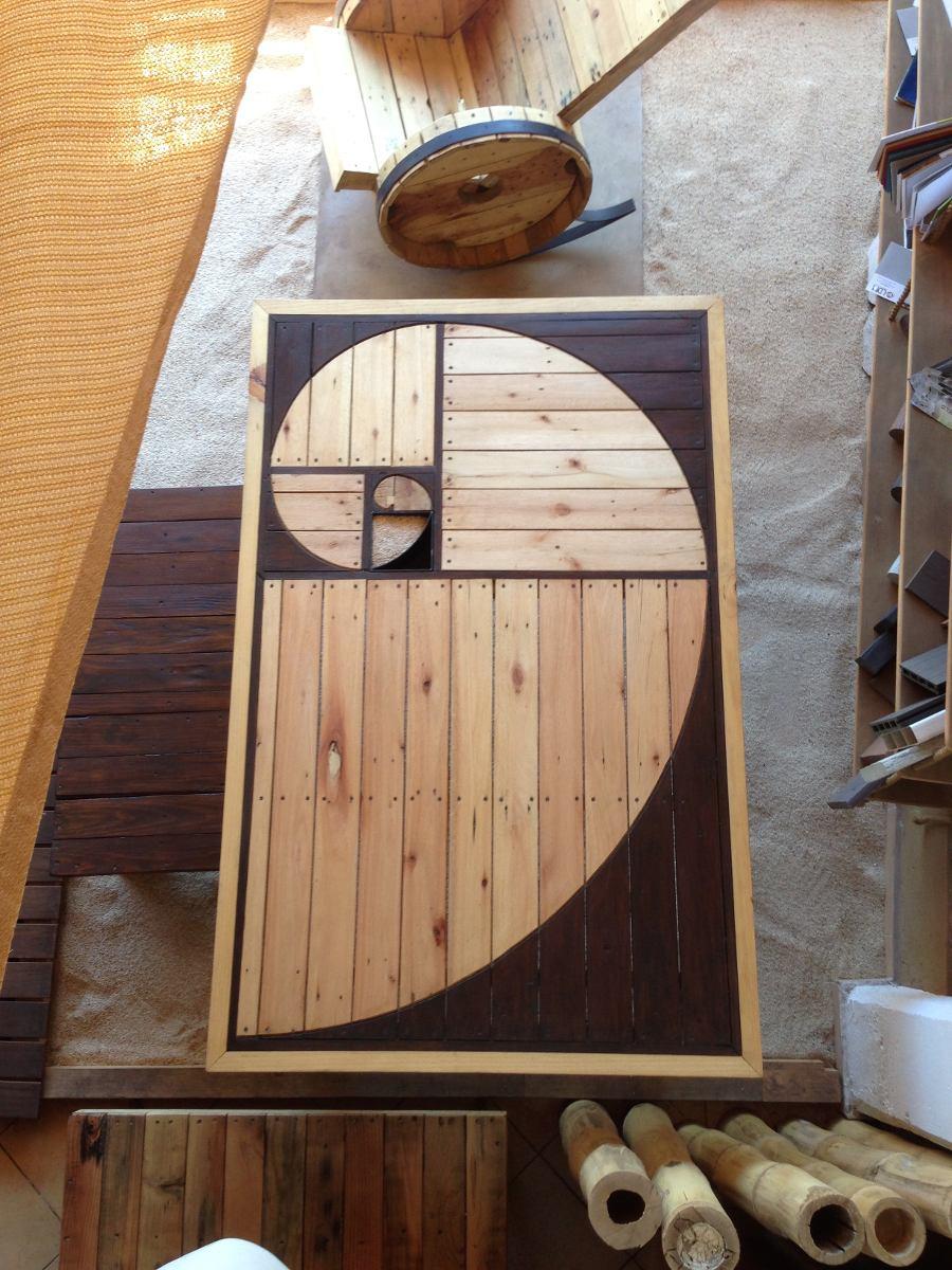 Mesa comedor de madera reciclada dise o espiral exclusivo - Disenos de comedores de madera ...