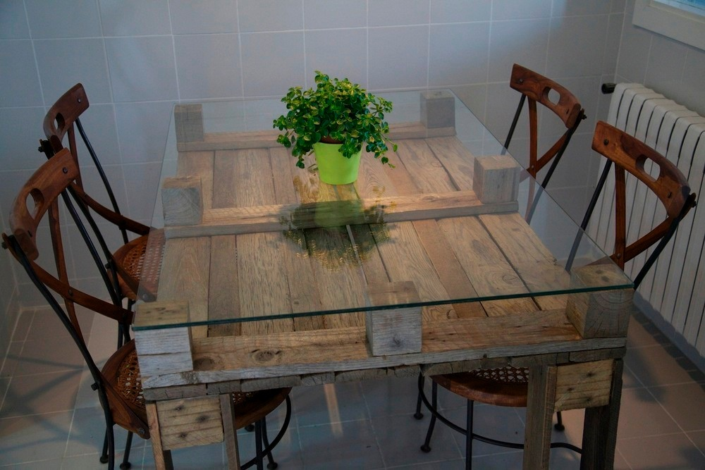 Mesa comedor palet vintage madera reciclada pallets for Como hacer una alberca con tarimas