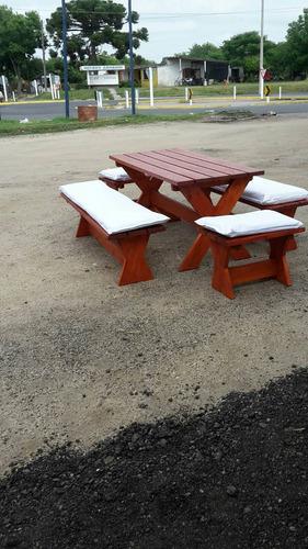mesa con 4 bancos para exterior e interior