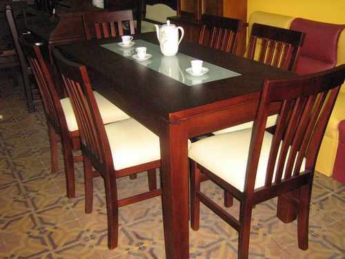 Mesa con 6 sillas diferentes modelos y for Modelos de mesas de vidrio