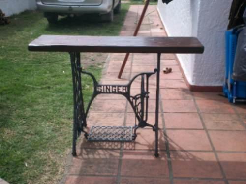 Mesa con maquina de coser antigua en - Mesa para maquina de coser ikea ...