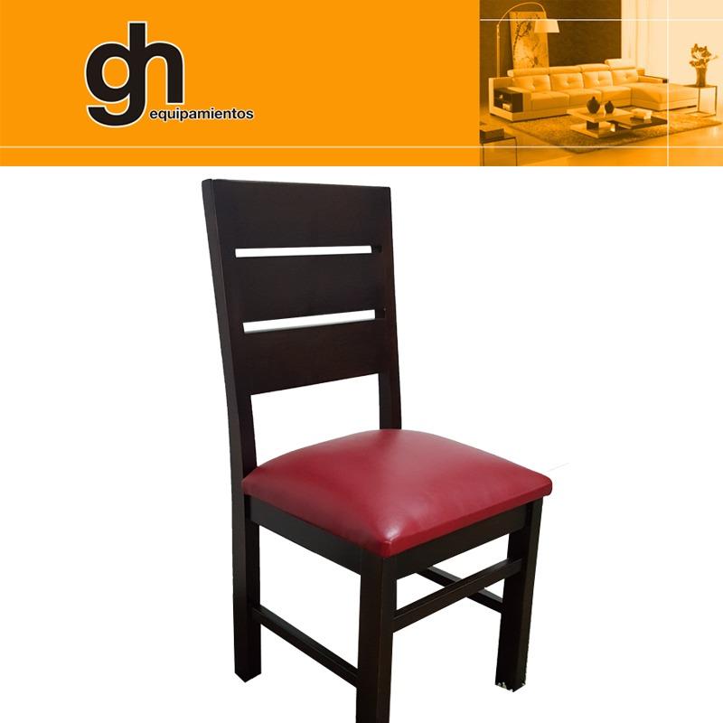 Mesa con sillas tapizadas y lustradas en madera maciza gh for Sillas madera tapizadas
