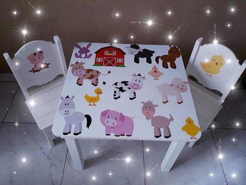 mesa crayonera + 2 sillas mikey y sus amigos y más