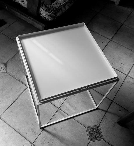 mesa cuadrada chapa minimal diseño 404 - simplestuff