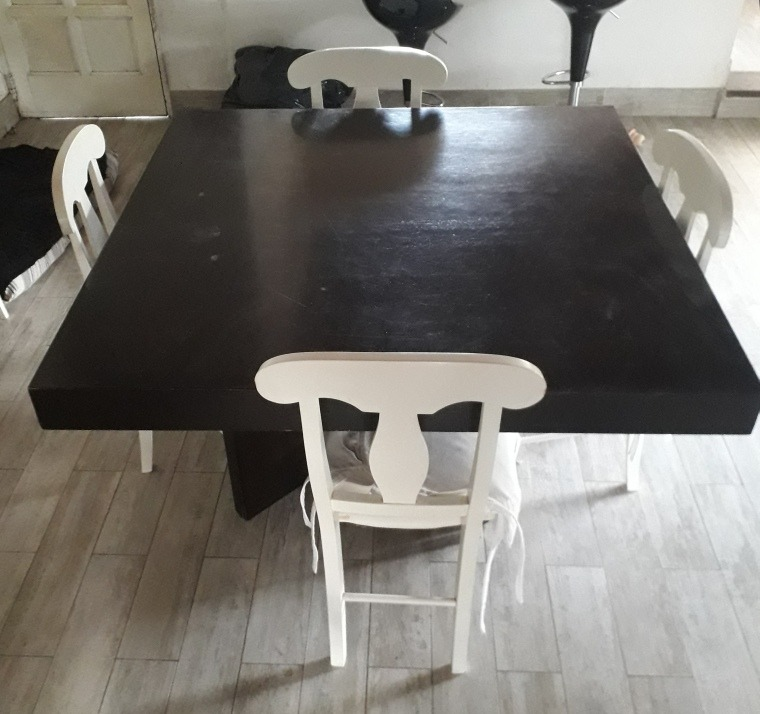 Mesa Cuadrada Comedor Color Wengue. 1,30x1,30. Zona Norte - $ 2.100,00