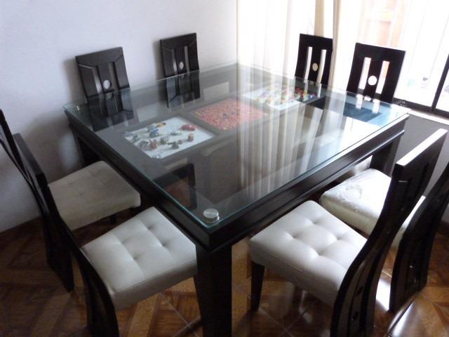 Ocho mesas con sillas mesa cuadrada con 8 sillas s 2 400 for Muebles de pino zona oeste