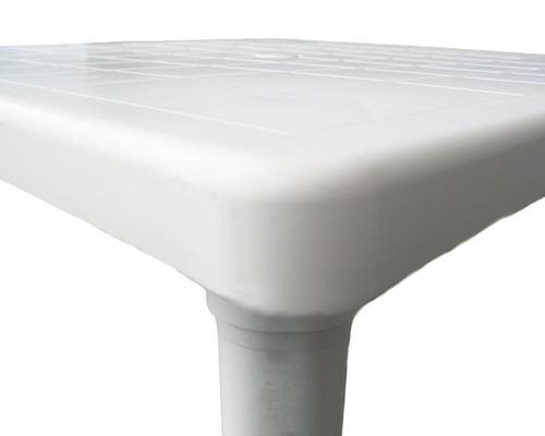 mesa cuadrada de plástico