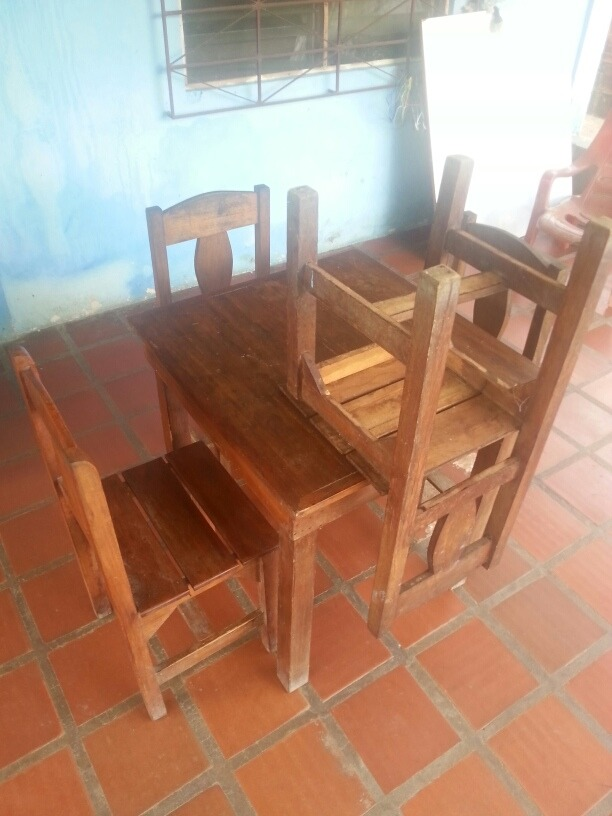 Mesa Cuadrada Para Comedor, Bar O Restaurant + 4 Sillas - Bs. 16.356 ...