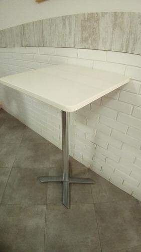 mesa cuarzo blanca alta con base metalica